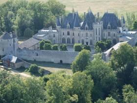 Marchés gourmands – Dans la cour du Château de Montaigne