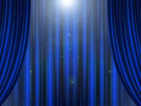 Théâtre pour une soirée joyeuse, des farces et de la folie.