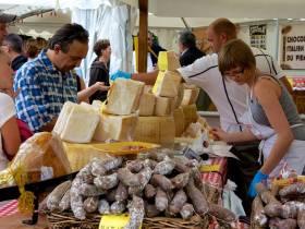 agenda Dordogne Marché  fermier avec restauration