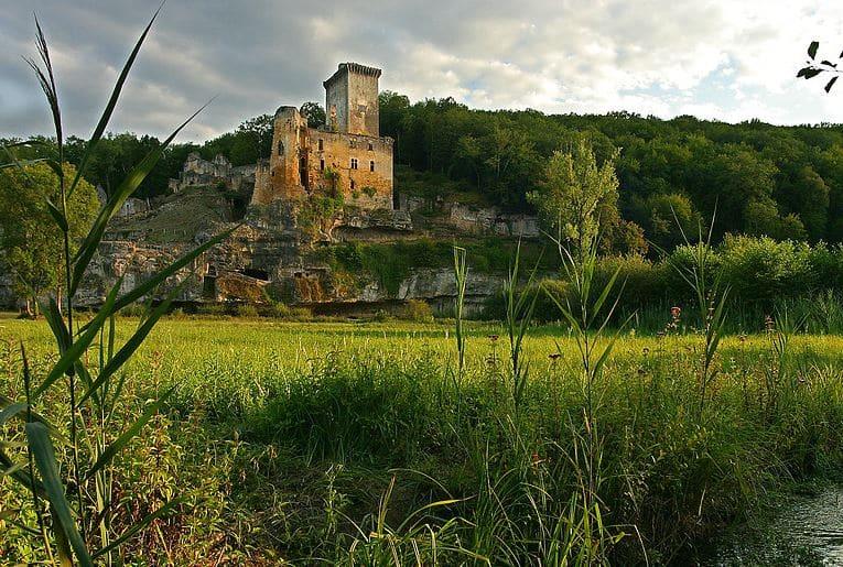 Château de Commarque - Chasse aux oeufs 21 et 22 avril