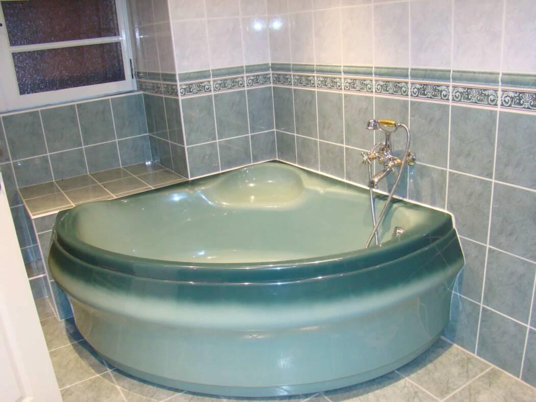 G te les combes location agonac en dordogne for Salle de bain sous les combes